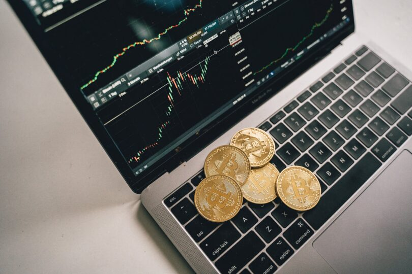 Despite BTC's fall, Gold makes its way up